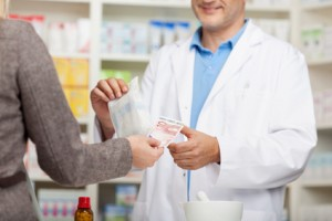 client paying 10 euro in pharmacy
